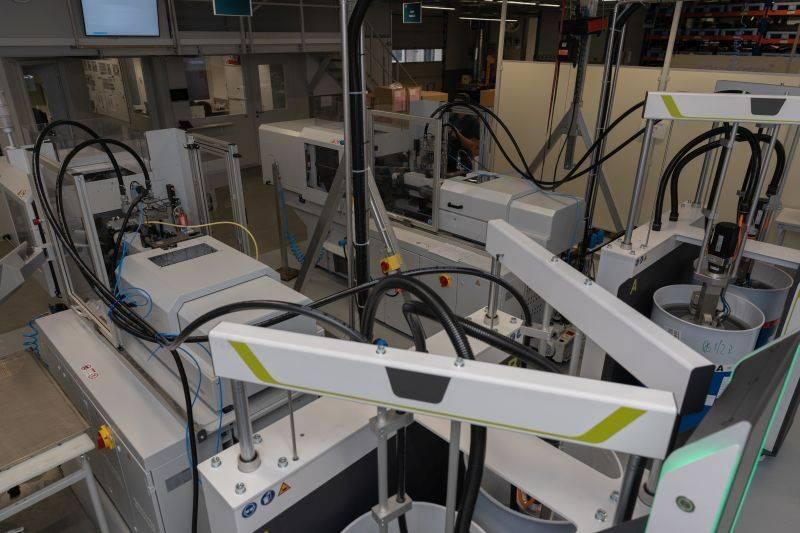 Silikon Technik - Siltec neue Spritzgussmaschinen